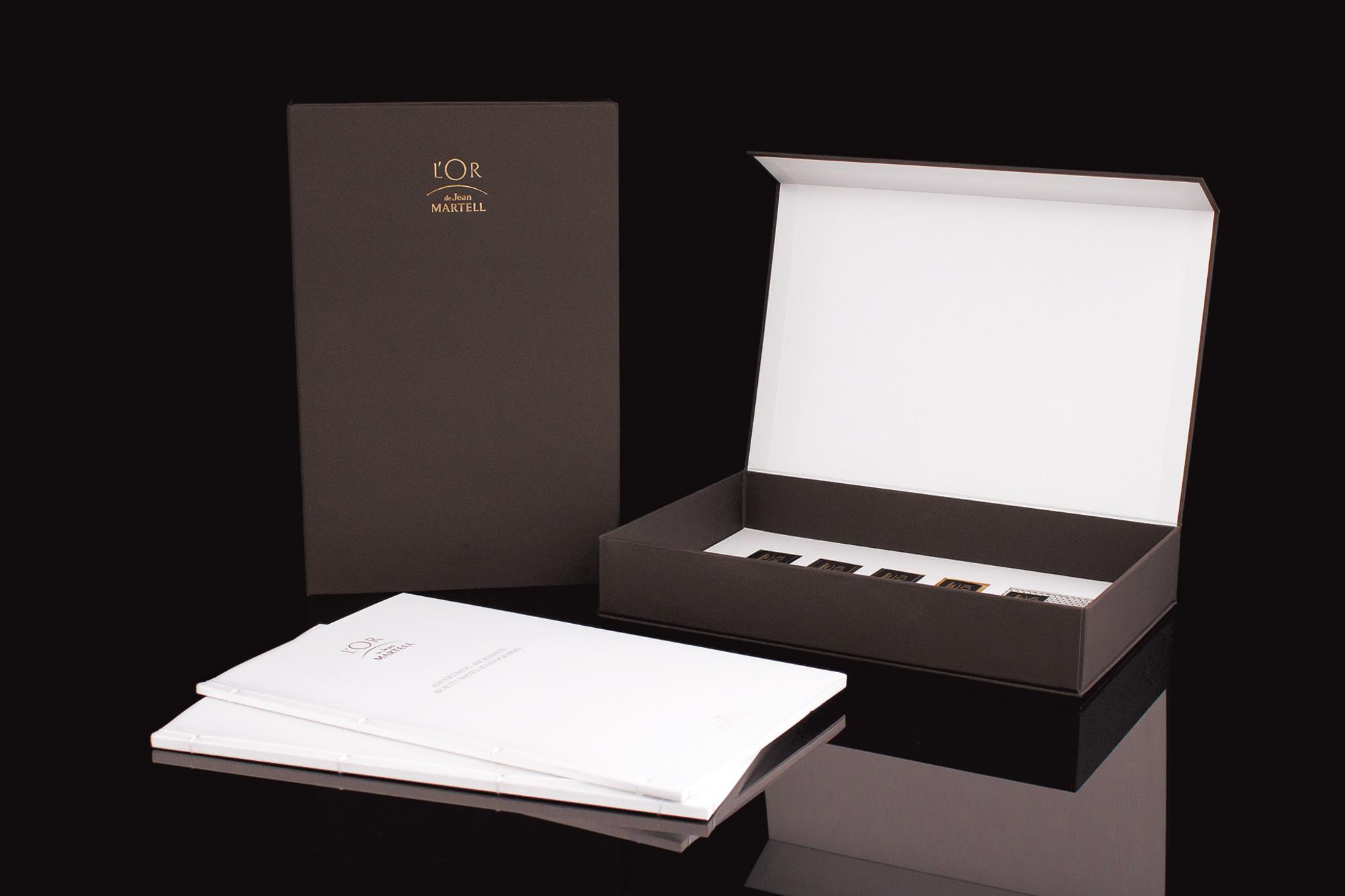 opales cartonnage fabricant de coffrets et classeurs de luxe. Black Bedroom Furniture Sets. Home Design Ideas